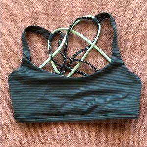 lululemon athletica Tops - 🍋Lululemon free to be wild bra size 4
